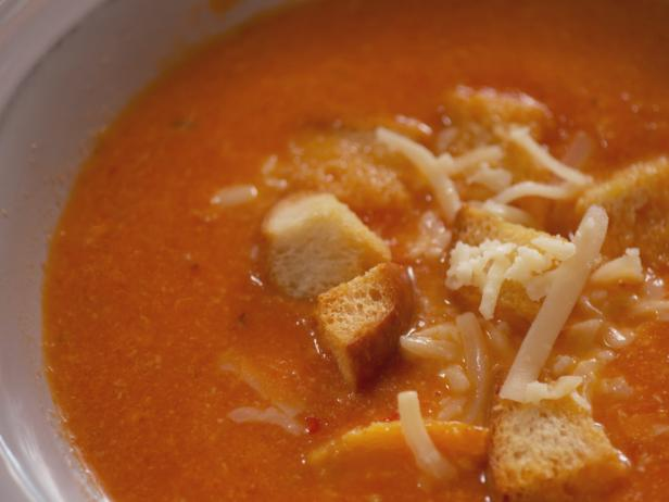 Spicy Tomato and Cheddar Soup