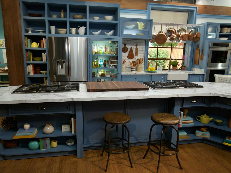 On the set of the kitchen the kitchen food network for Full set kitchen