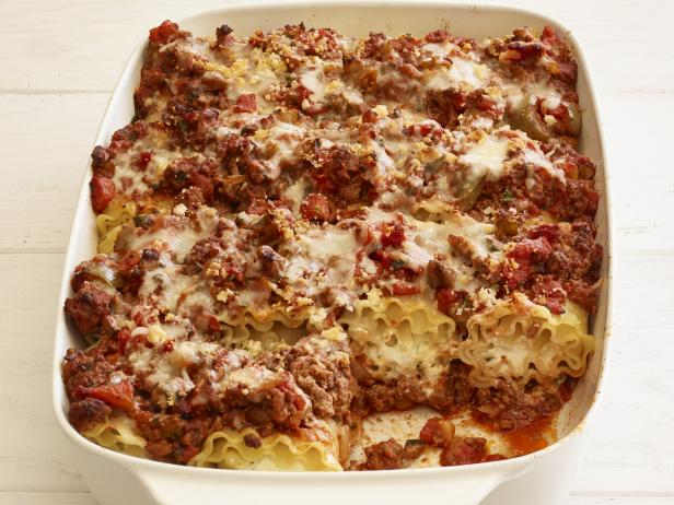 Lasagna roll ups recipe ree drummond food network lasagna roll ups forumfinder Image collections