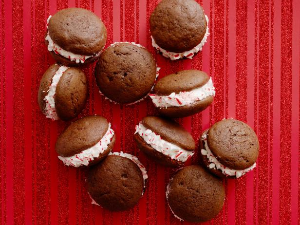 Chocolate Peppermint Whoopie Pies