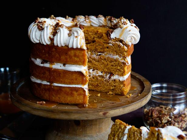 Naked Pumpkin Cake with Cinnamon Buttercream