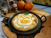 Pumpkin-Crust Halloween Pizza