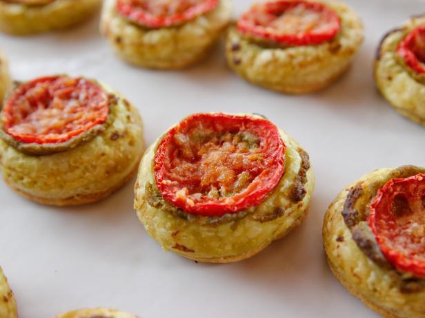 Tiny Tomato Tarts Recipe | Ree Drummond | Food Network