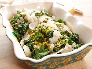 WU1413H_Roasted-Brussels-Sprouts-and-Kale_s4x3