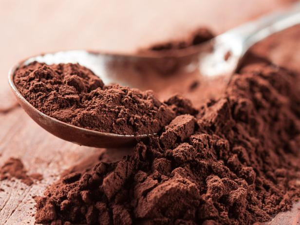 Cocoa powder on a spoon