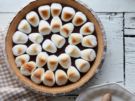 4-Ingredient S'mores Pie