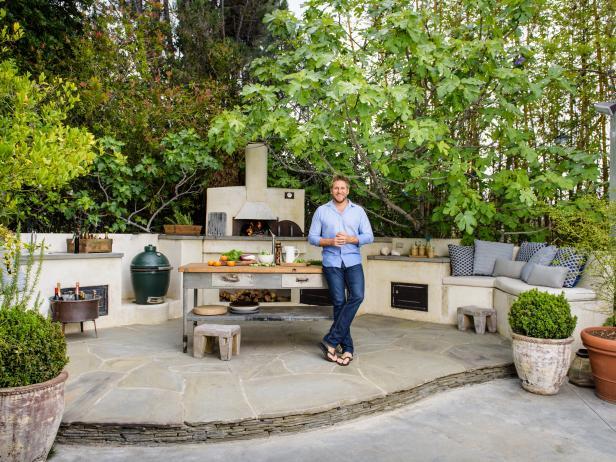 Star Kitchen: Curtis Stoneu0027s Outdoor Kitchen