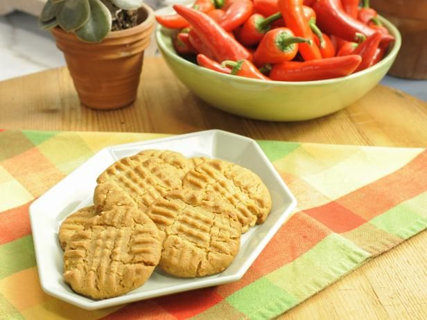Crunchy Peanut Pepper Cookies