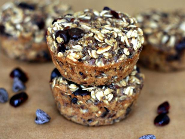 Chocolate Chip-Cranberry Oat Cups