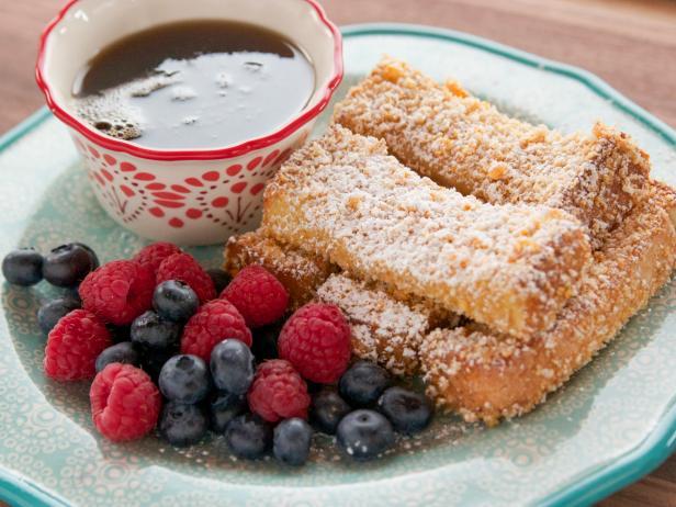 Crunchy French Toast Sticks