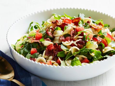 Summery Tomato and Bacon Pasta Salad