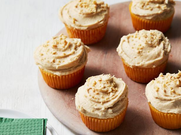 Yellow Cupcakes with Peanut Butter Frosting
