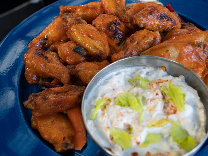 Spicy Garlic Chicken Wings With Chow Chow And Blue Cheese Dip Recipe