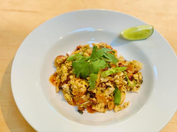 Crispy Rice with Broccoli, Bacon, Cashews and Egg image