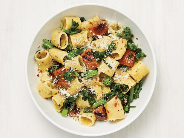 Rigatoni w/HOT Italian Grilled Sausage and Broccoli