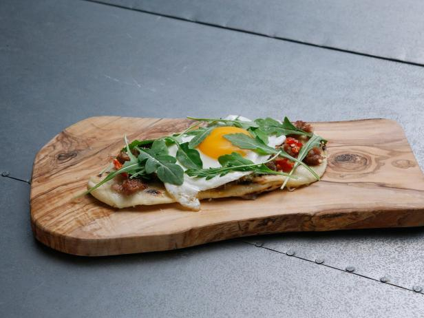 Grilled Pizzettas with Sausage, Egg and Stracchino