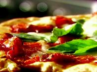 Tyler Florence Makes Pizza Margherita