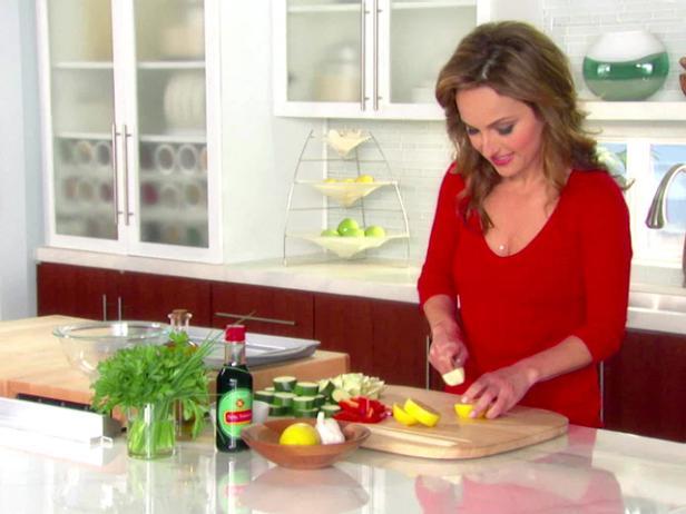 Chicken sausage skewers recipe giada de laurentiis food network recipe video forumfinder Image collections