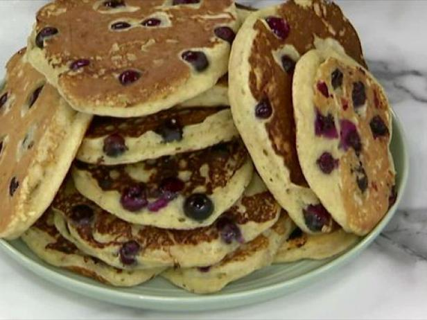 Blueberry pancakes recipe jeff mauro food network recipe video forumfinder Choice Image